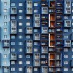 facade-bleue-immeuble